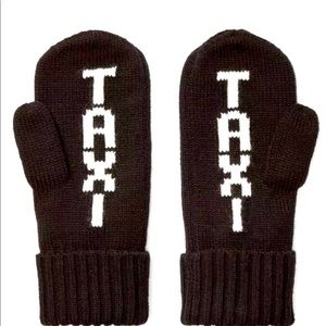 Kate Spade ♠️ NY Taxi Mittens in Black & White